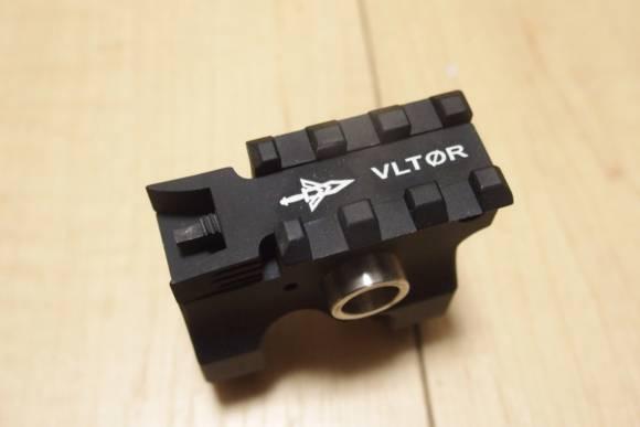 東京マルイ M4 MWSにVLTORタイプのフリップアップ フロントサイトを取り付けました