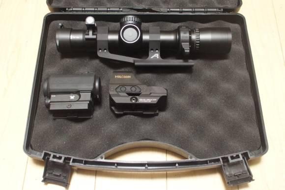 光学機器の持ち運び用に、ハンドガン用のガンケースを買ってみました