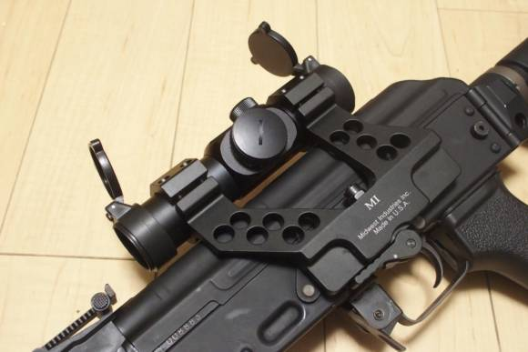 SIGHTRON MD-30XをMidwest Industries AK30SMに取り付けました