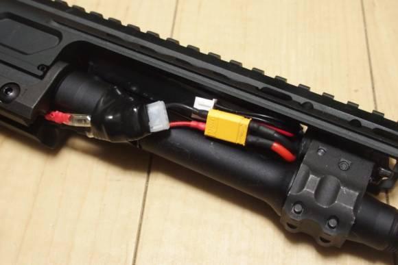 VFC/Cybergun SIG MCXのバッテリー問題を解決。ストックチューブインタイプの7.4Vを使えるようにしました。