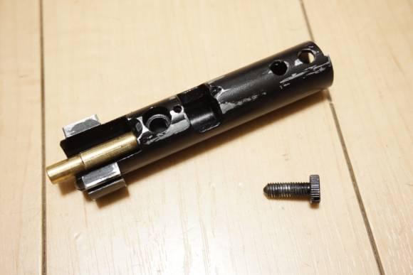 KingArms MDT LSSの調整 ボルトに付いている初速調整用のネジを外し、HOP周りを調整