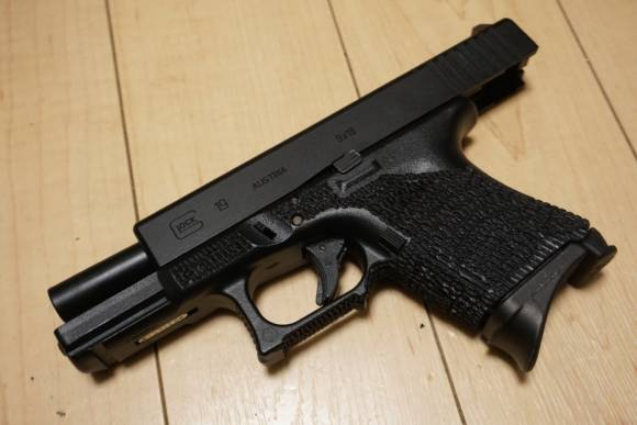 Glock26のマガジンが使えるGlock19、『Glock19S/Glock26L』を作ってみた(東京マルイ Glock19カスタム)